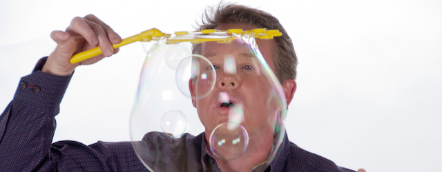 This week we turn our attention to science demonstrations.  And who better to talk about demos than Steve Spangler.  Famously known for his Mentos+Diet Coke experiment, Steve is an engaging and […]